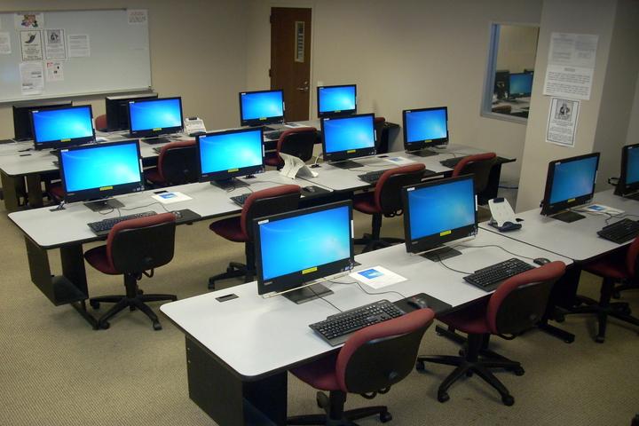 St Xaviers School-Computer Lab
