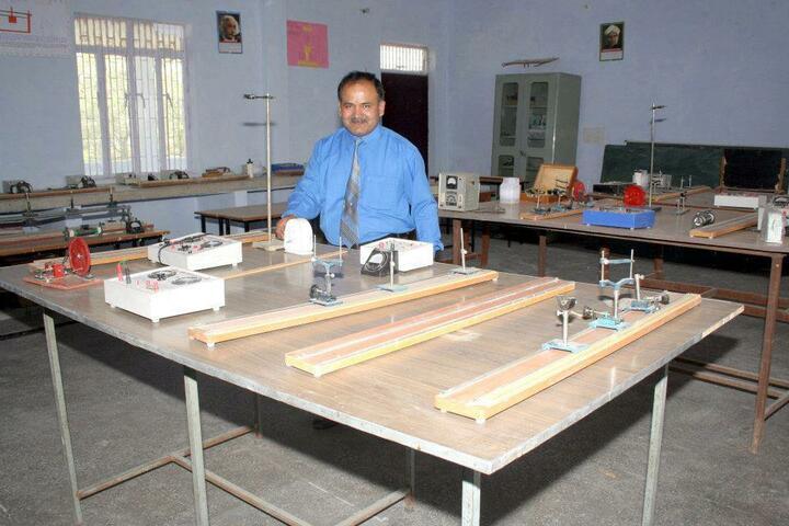 St Augustine School-Physics Lab