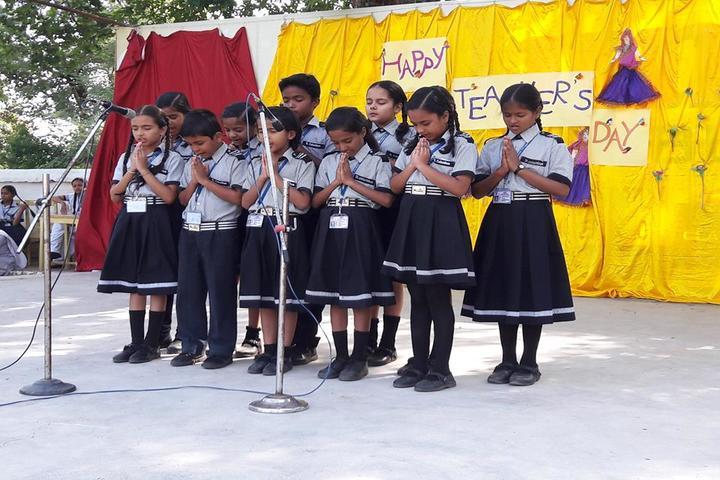 St Columbus International Public School-Teachers Day