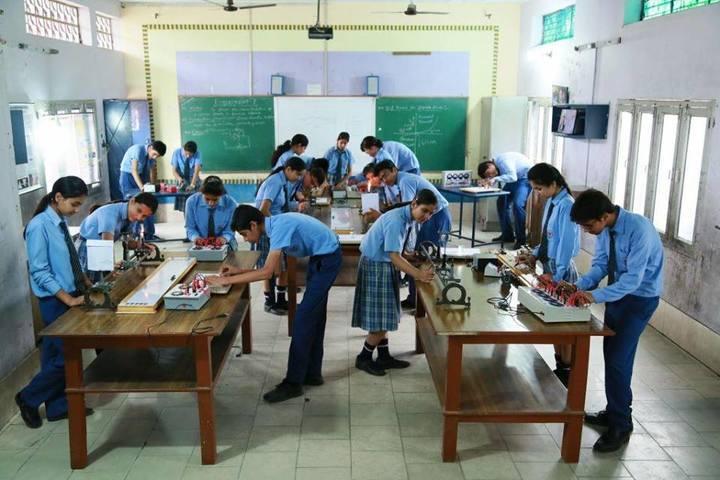 St R C Scientific Convent School-Physics Lab