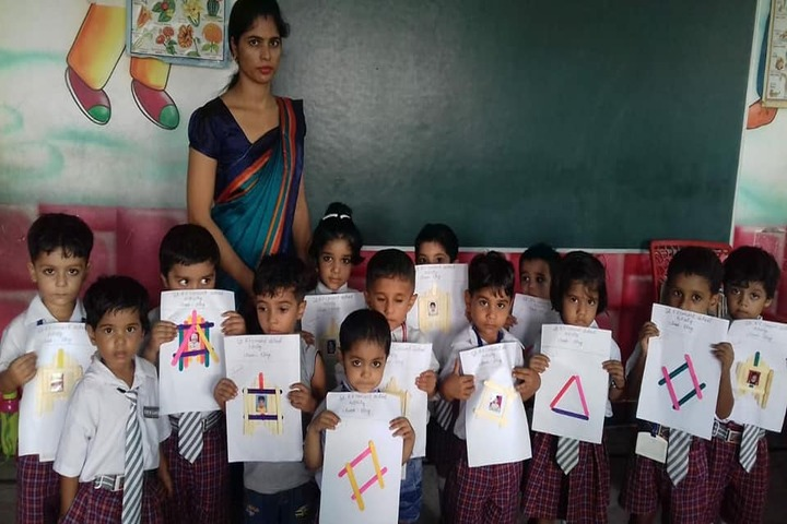 St R V Convent School-Art Class