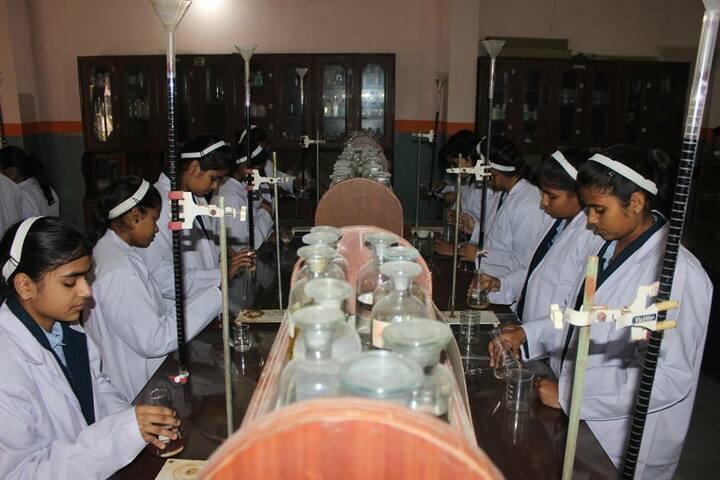 Suditi Global Academy-Chemistry Lab