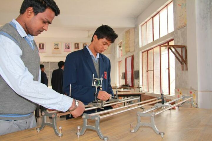 Sunrise Ville School-Physics Lab