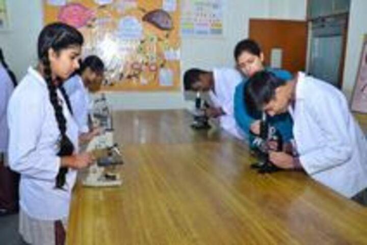 Swarup Foundation Dav Public School-Biology Lab