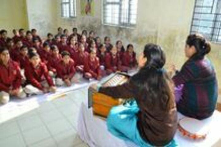 Swarup Foundation Dav Public School-Music
