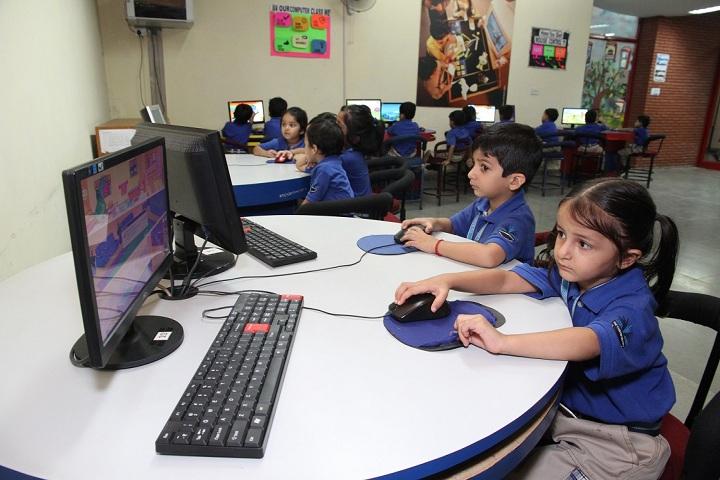 The Khaitan School-Computer lab