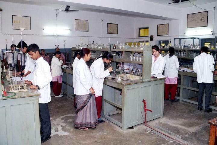 Tulsiram Maheshwari Public School-Chemistry Lab