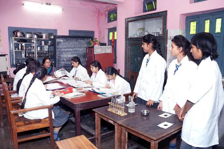 Tulsiram Maheshwari Public School-Home Science Lab
