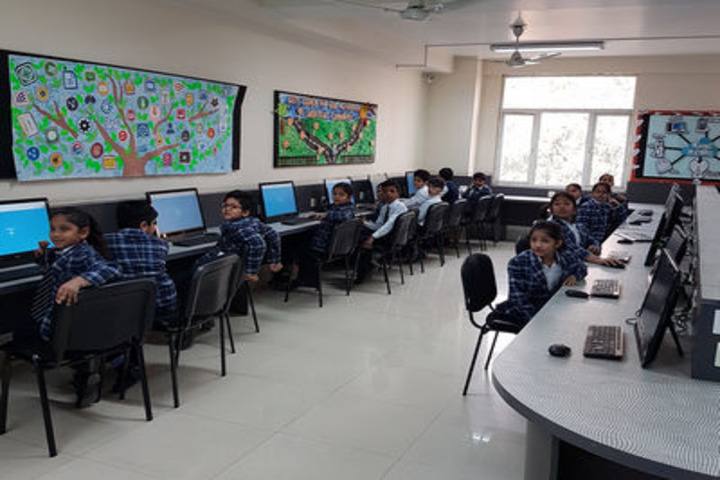 U S International School-Computer lab