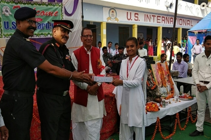 U S International School-Prize distribution