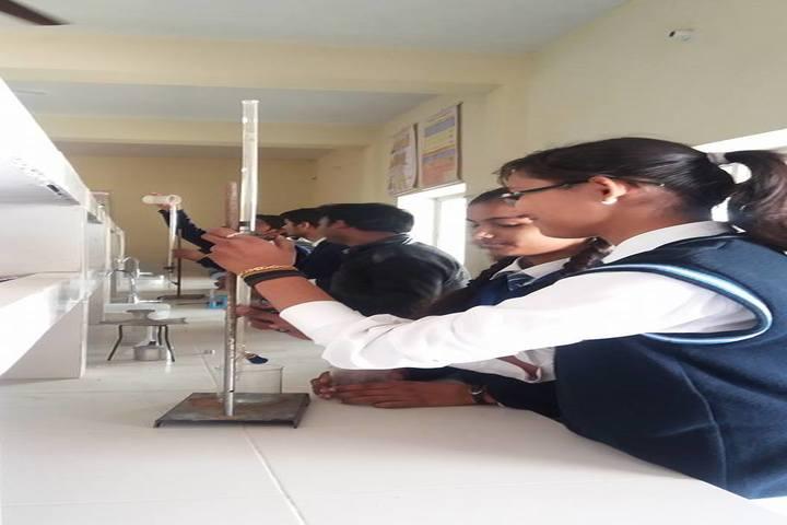 Uma Shankar Vidhyapeeth-Chemistry Lab