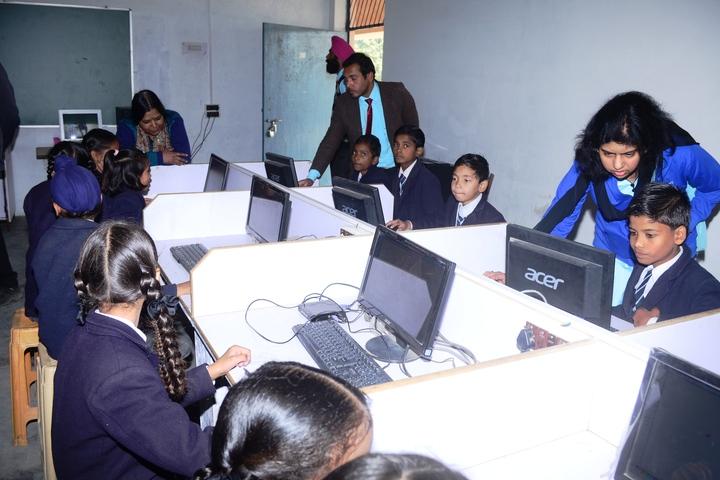 V K Public School-Computer Lab