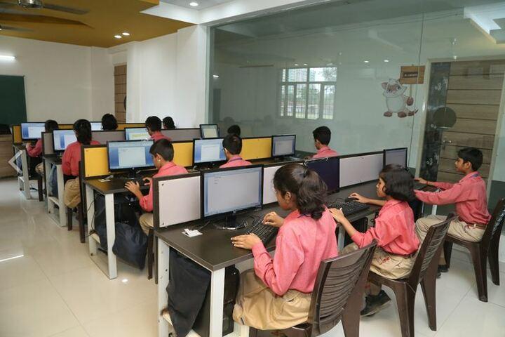Vanasthali Public School-Computer Lab