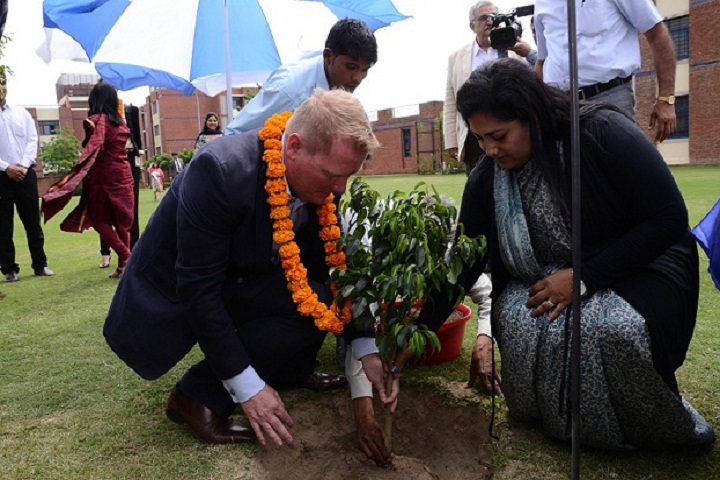 Vidya Gyan School-Planting