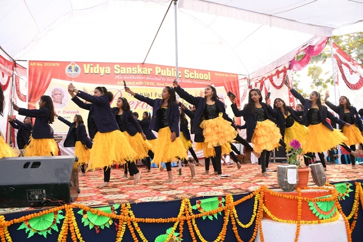 Vidya Sanskar Public School-Group Dance
