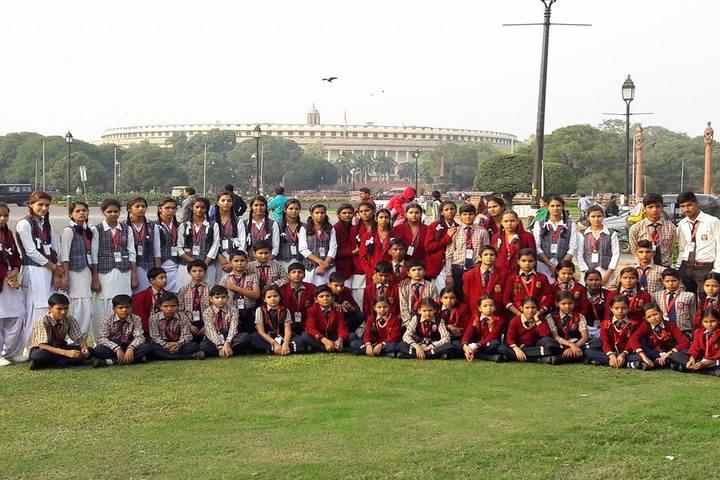 Vijaya Maharani International Academy-Group Photo