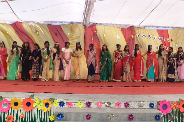 Vinyaas Public School-Farewell Party