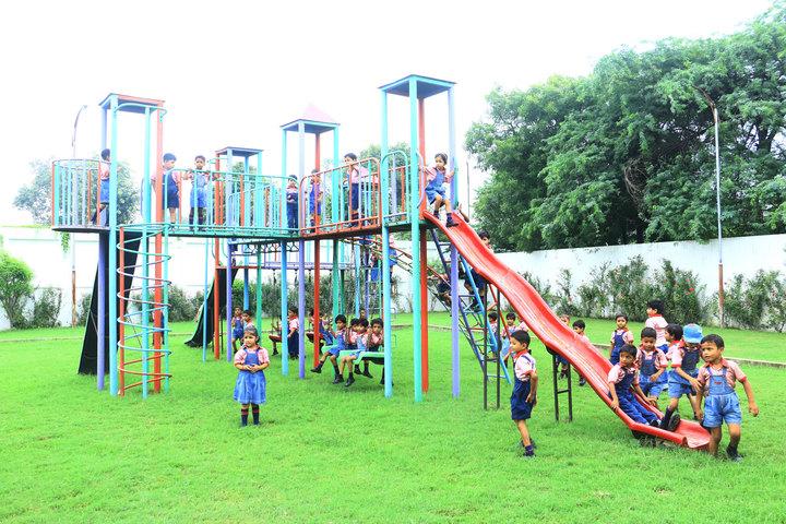 Vinyaas Public School-Kids Play Area