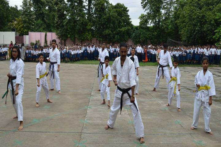 Woodbine Gardenia School-karate