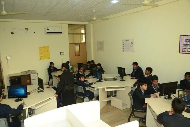 Zennext Public School-Computer Lab