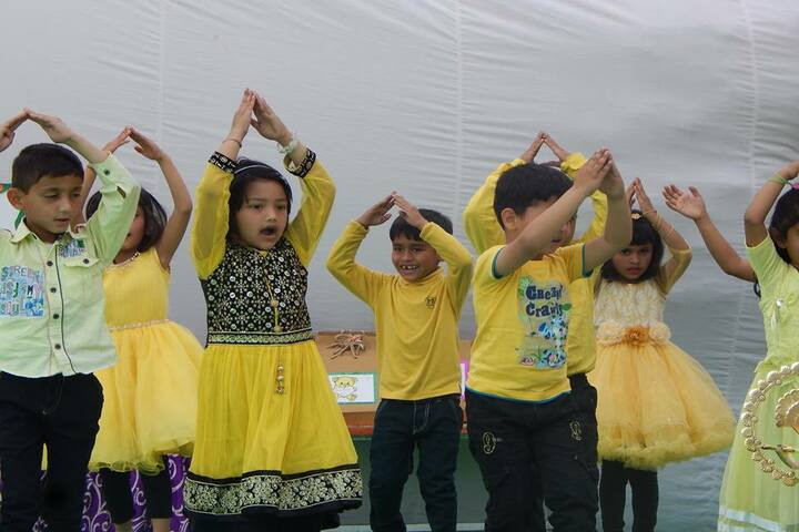 Baluni Public School-Dance Activity