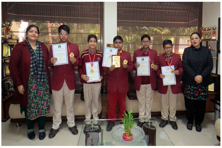 Kailash Bahl D A V Centenary Public School- Award Presentation