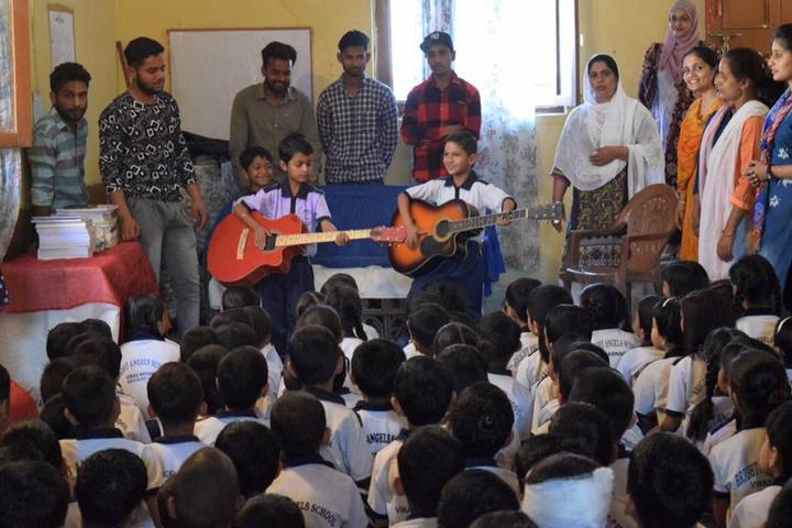 Bright Angels School-Music