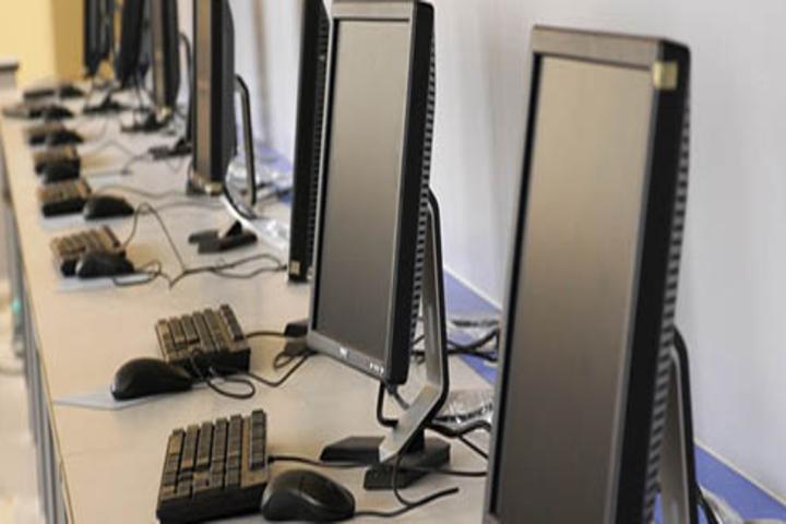 Cambridge Senior Secondary School-Computer Lab