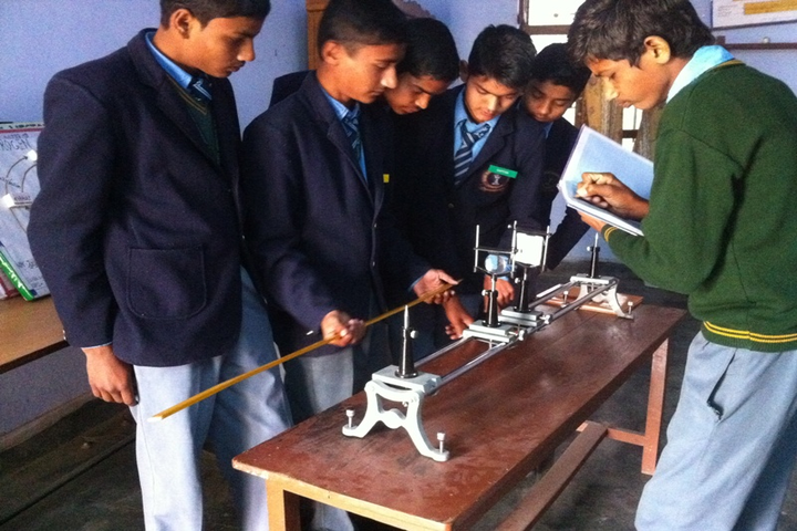 Dawa Rinjue School-Physics Lab