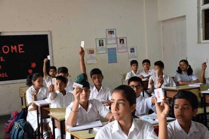 Delhi Public School Dehradun-Classroom