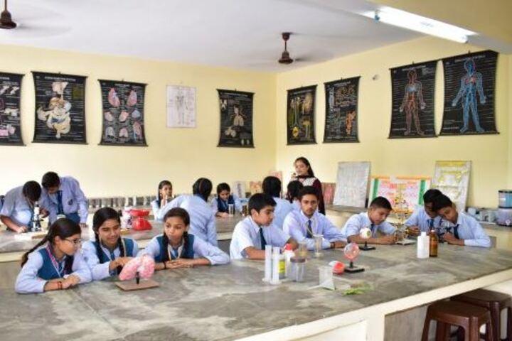 Dhoom Singh Memorial Public School-Science Lab