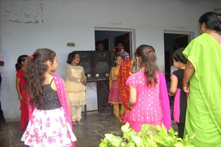 Doon Valley Public School-Singing