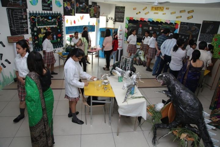 Ecole Globale Girls International School-Academic Exhibition