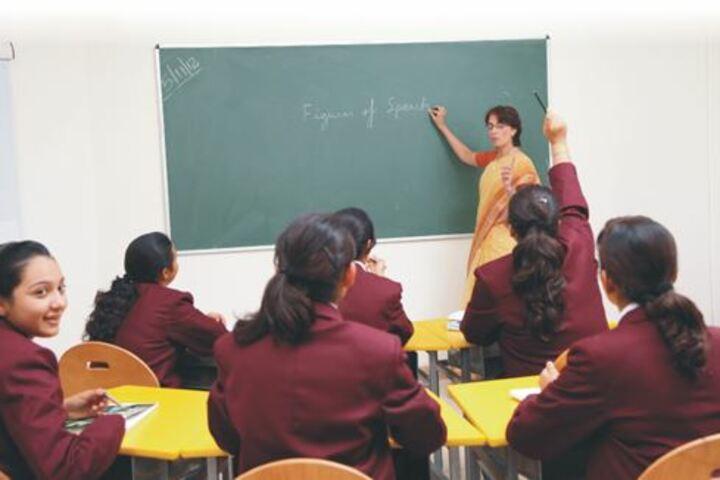 Ecole Globale Girls International School-Classroom