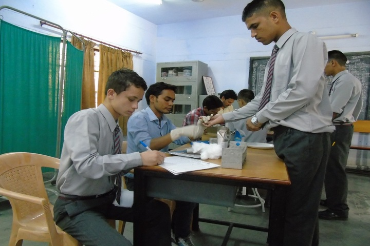 Eklavya Adarsh Awasiya Vidyalaya-Medical Camp