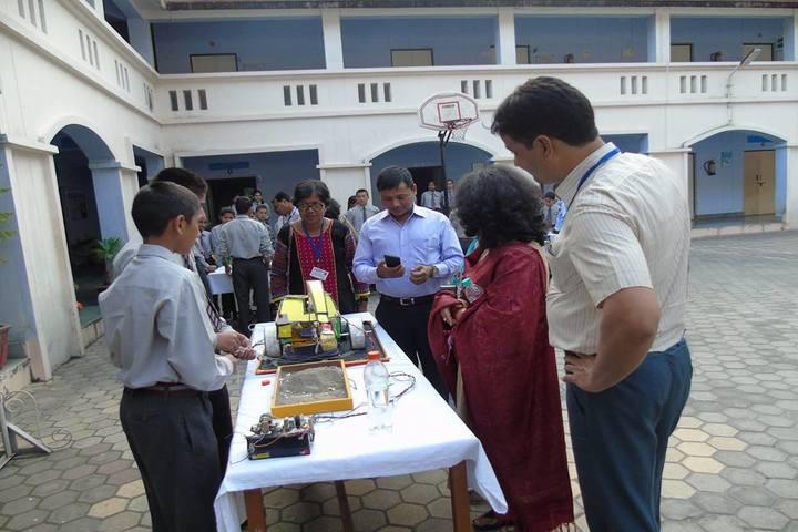 Eklavya Adarsh Awasiya Vidyalaya-Science Exhibition