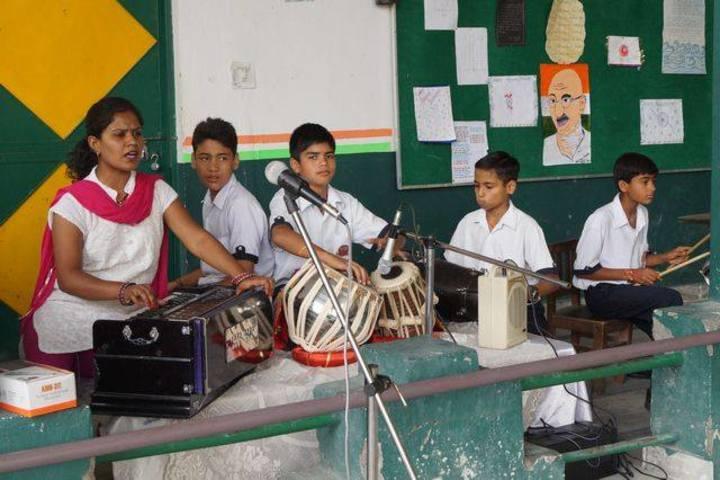 Fylfot Public School-Music Room