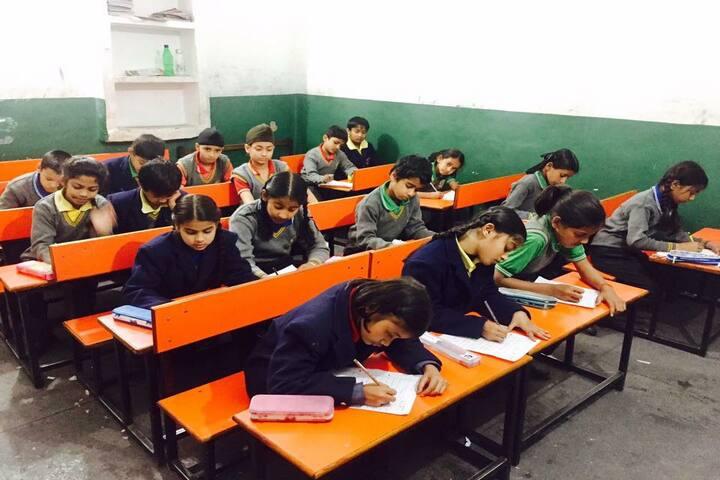 Green Wood Public School-Classroom