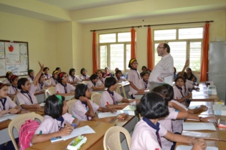Him Jyoti School-Classroom
