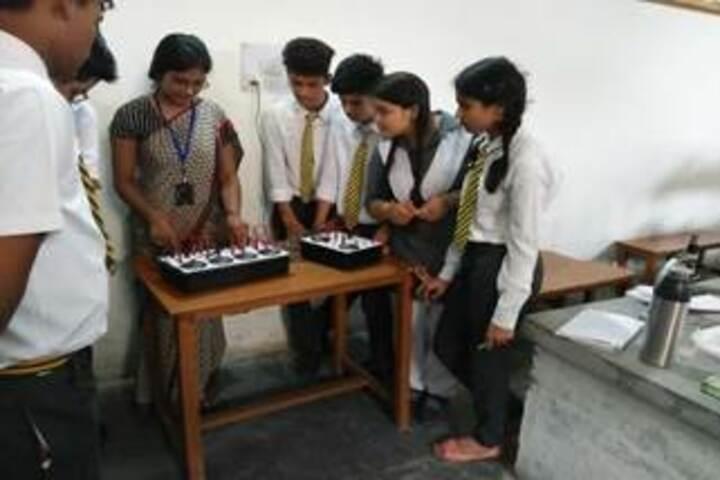 Hind Public School-Physics Lab