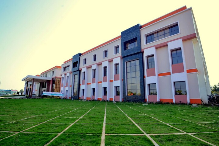 Green Field School-School View