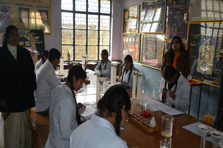 Holy Cross School-Biology Lab