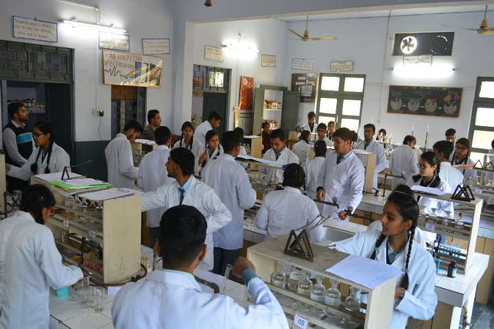 Holy Cross School-Physic Lab
