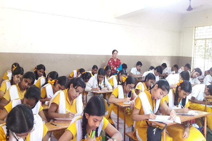 Maharishi Vidhya Mandir-Classroom