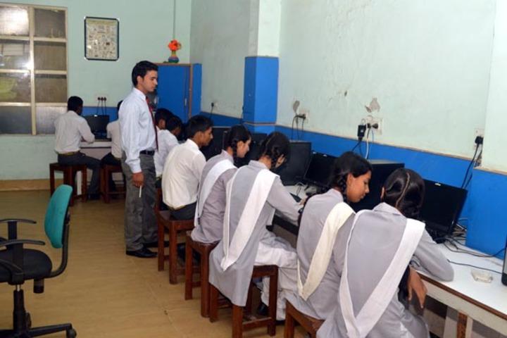 Maulana Azad Public School-Computer Lab