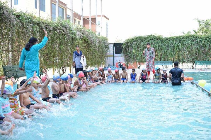 Mount Litera Zee School-Swimming Pool
