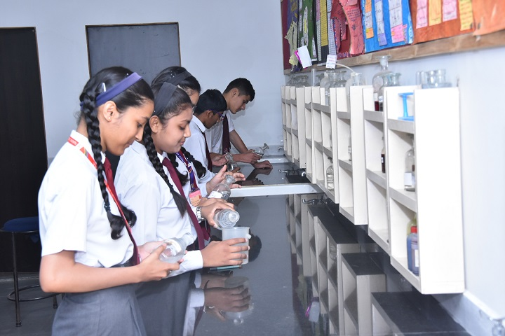 Naini Valley School-Chemistry Lab
