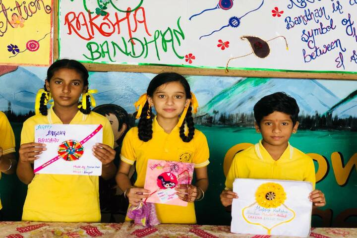 New Light School-Rakhi Making