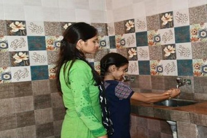 Persistent Students Nest Higher Secondary School-Hand Wash Activity