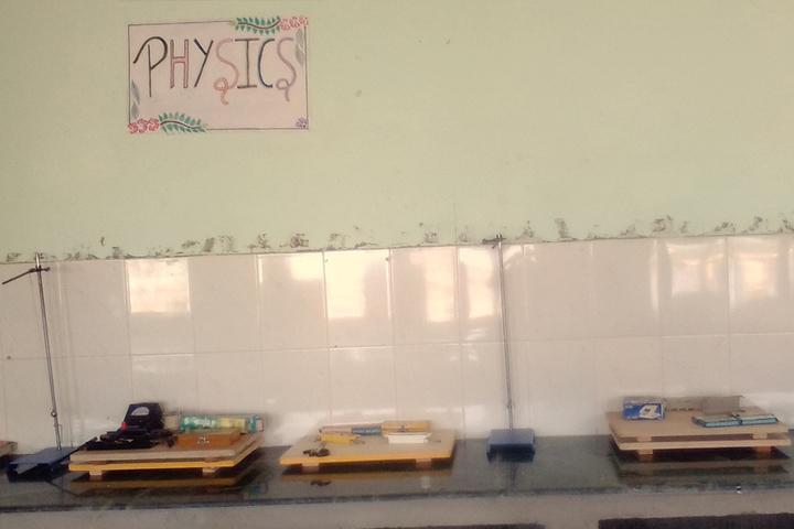 Police Modern School-Physics Lab
